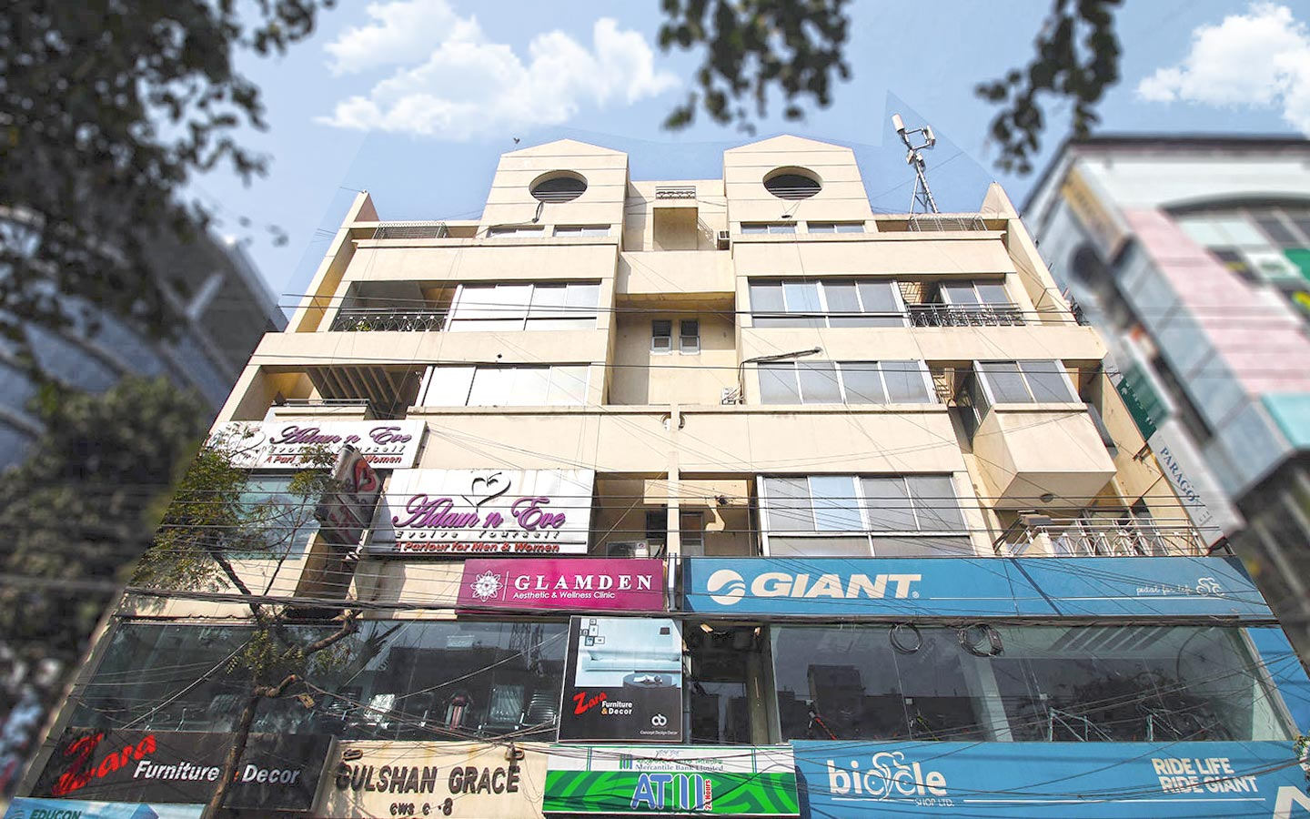 Commercial space for rent at Gulshan 1
