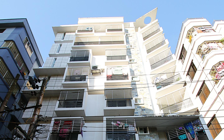 spacious apartment in Kazir Dewri Chittagong