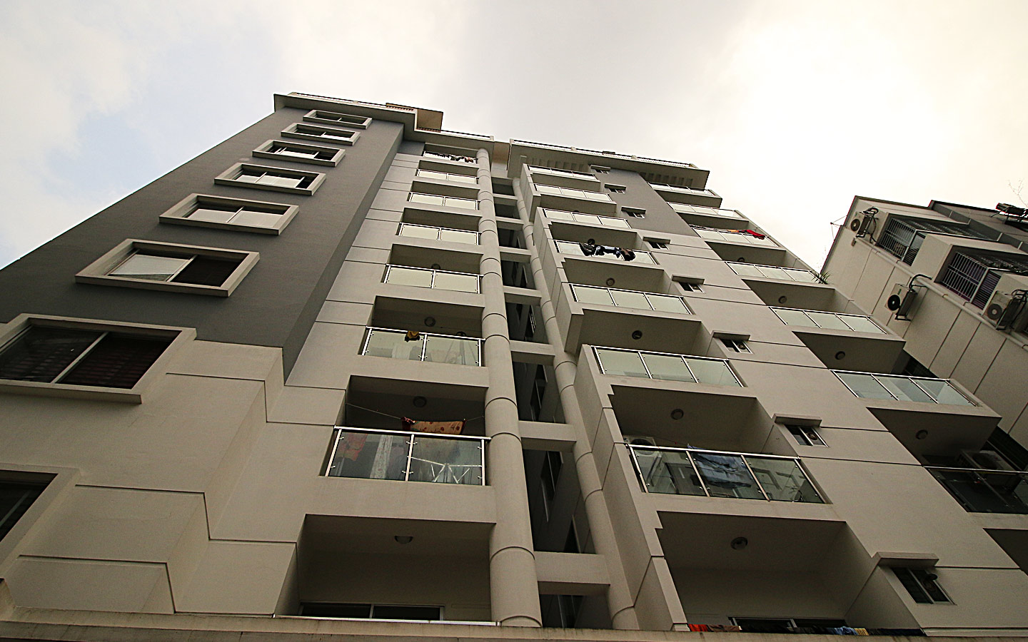 affordable dream apartment in Khulshi