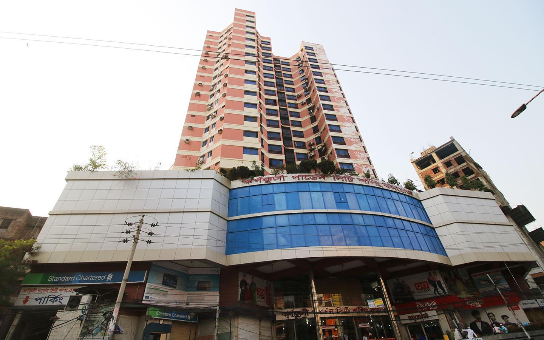 Karnaphuli Garden City Shopping Complex mall in Shantinagar