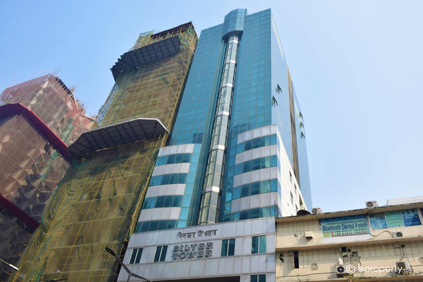 Check this magnificent commercial property for rent in Gulshan 1