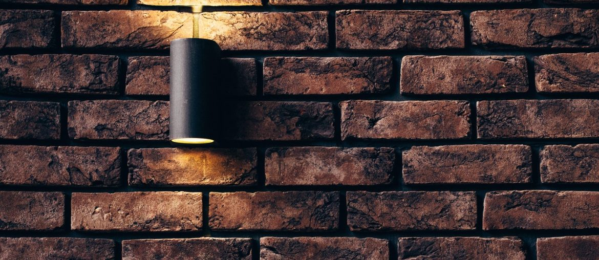 Overview on the pros and cons of exposed brick walls