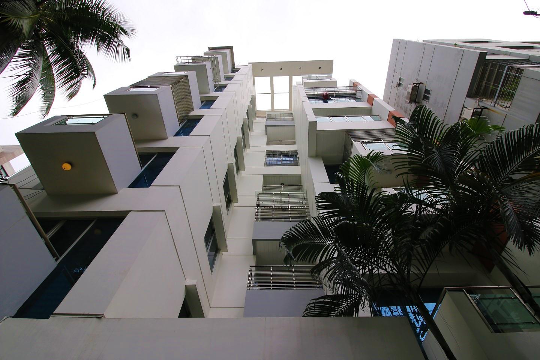 Banani apartment near police station
