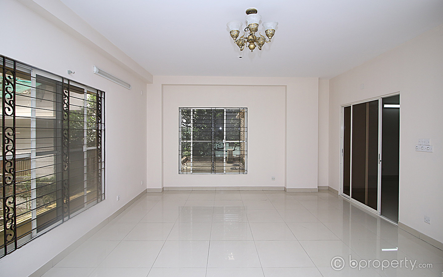 a vacant residential used apartment for sale in Banani