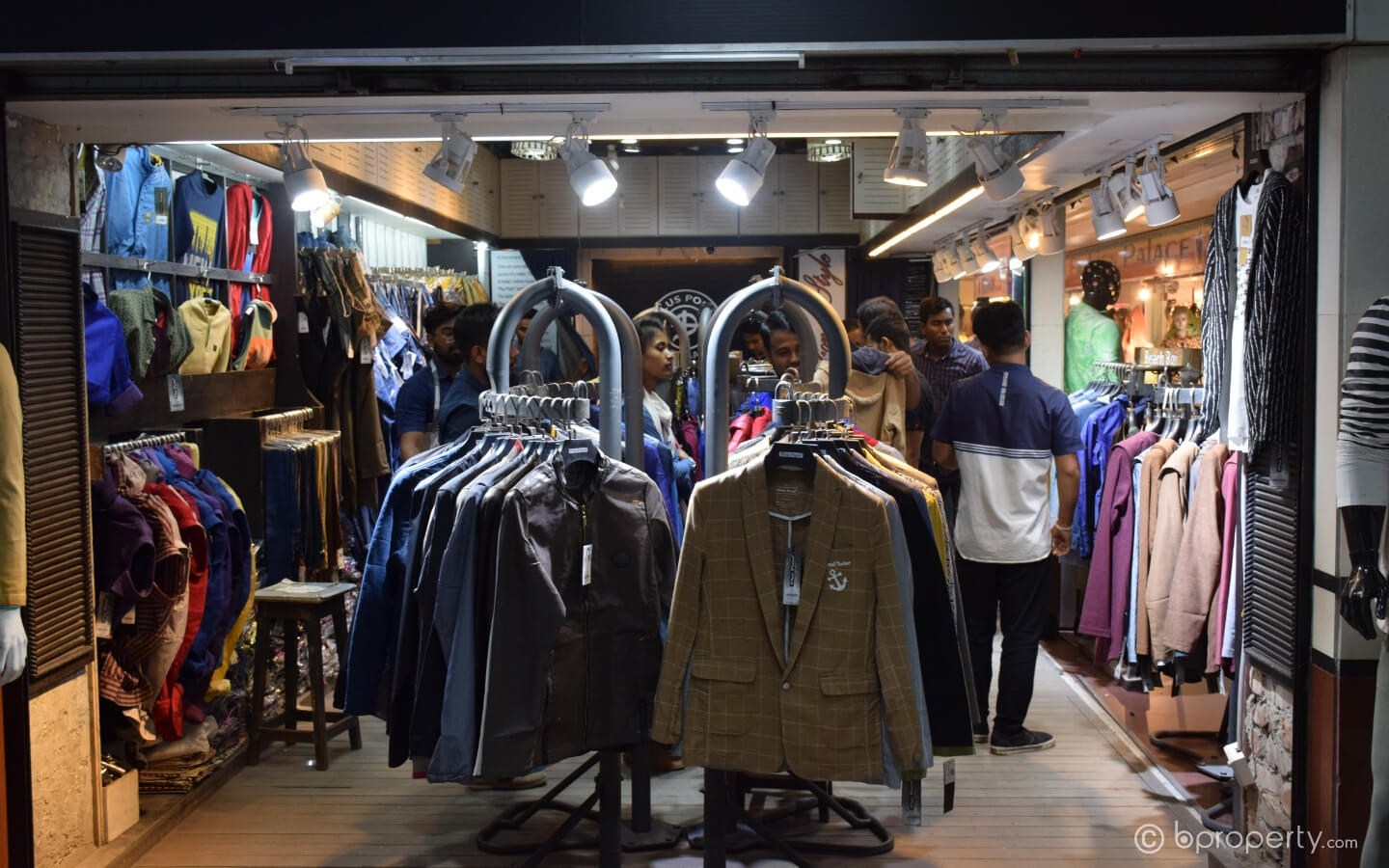 High-end winter clothes can be found in Bashundhara Shopping Mall
