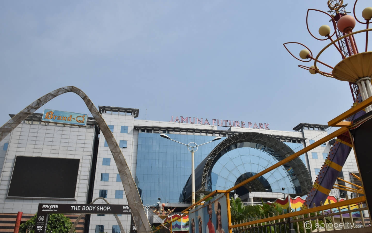 Jamuna Future Park recently emerged as a great place to find warm clothes