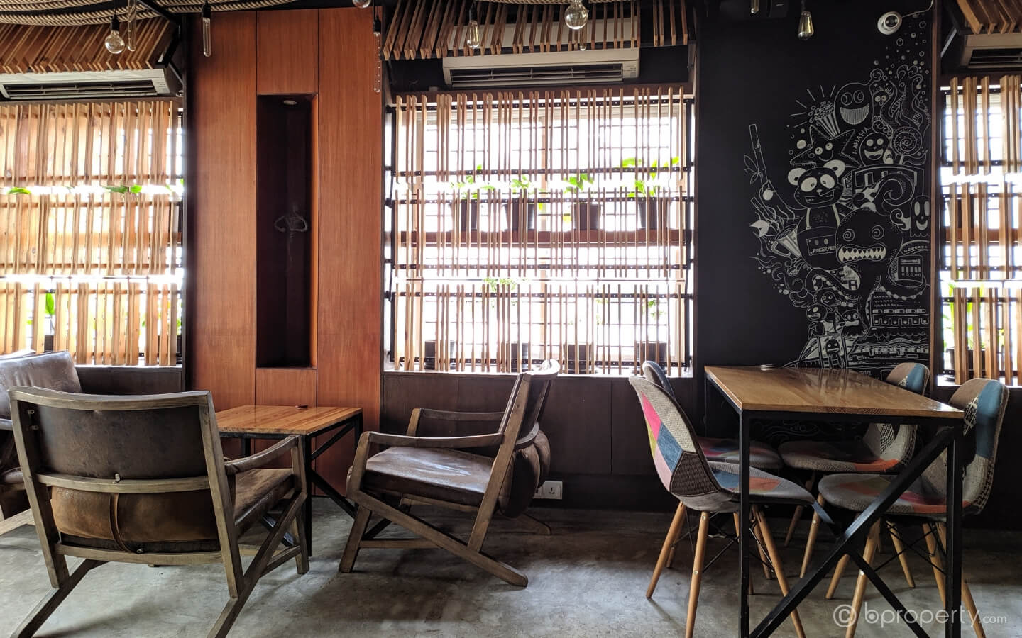 Interior of Cafe Memoir - places for introverts
