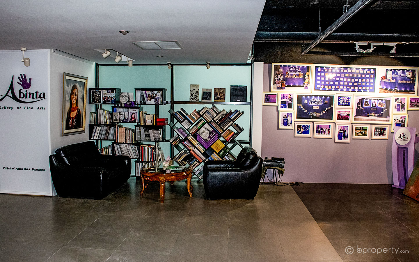One of the most popular art galleries in Dhaka for young artists
