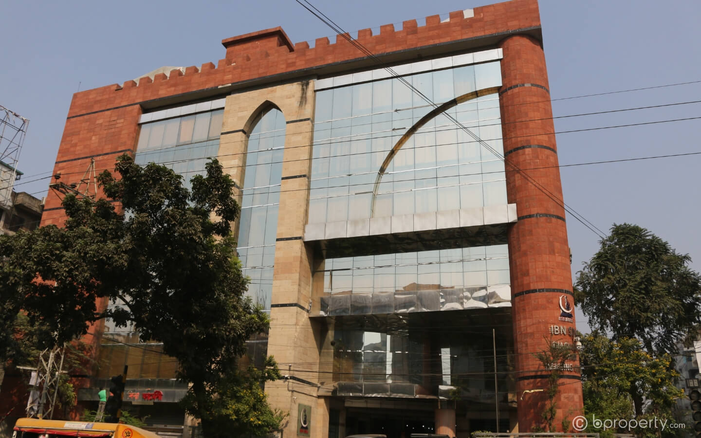 A number of prominent medical centers in Dhaka are present in Dhanmondi
