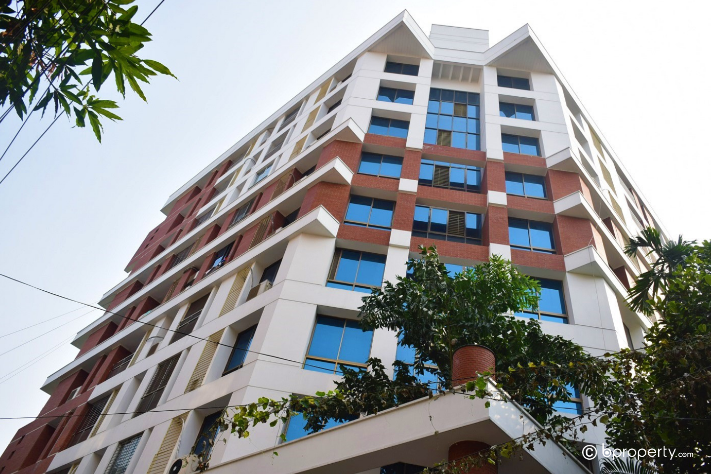 If you are planning for buying an apartment in Gulshan 1, check out this property