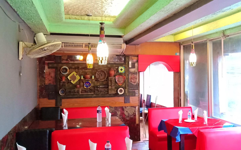 Places to eat in Dhanmondi near jigatola
