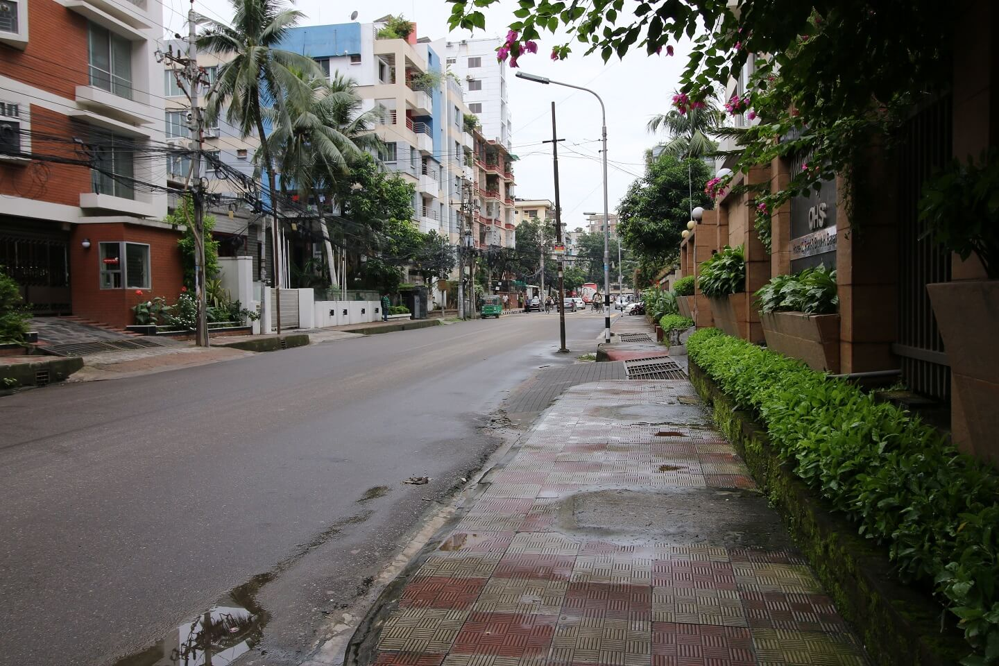 Even though Banani has a casual vibe to it, expats easily fit in the area