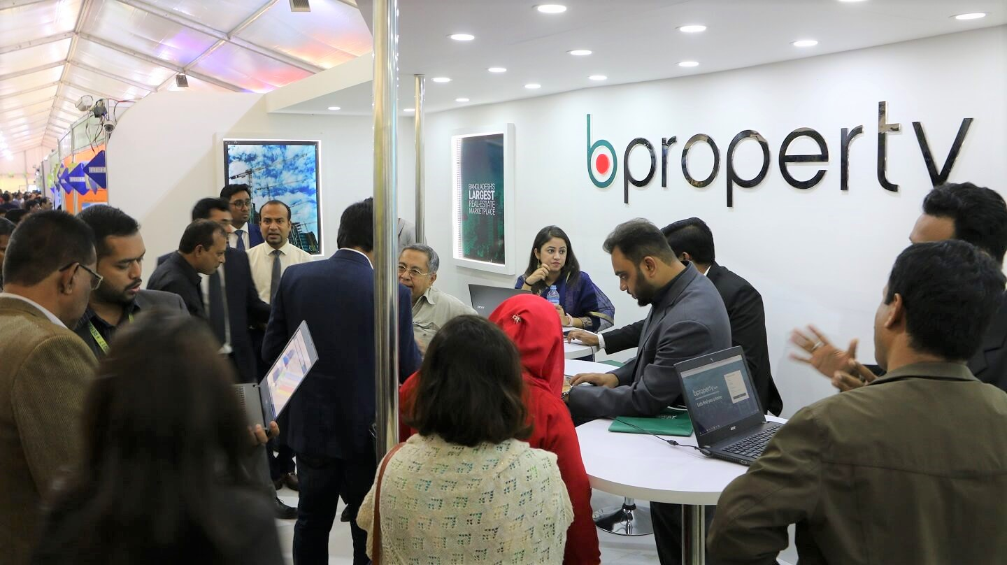 Massive crowd at Bproperty stall in Rehab Fair 2017