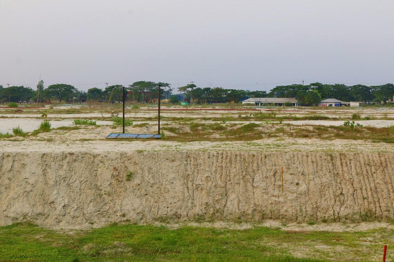 Land near Bashundhara