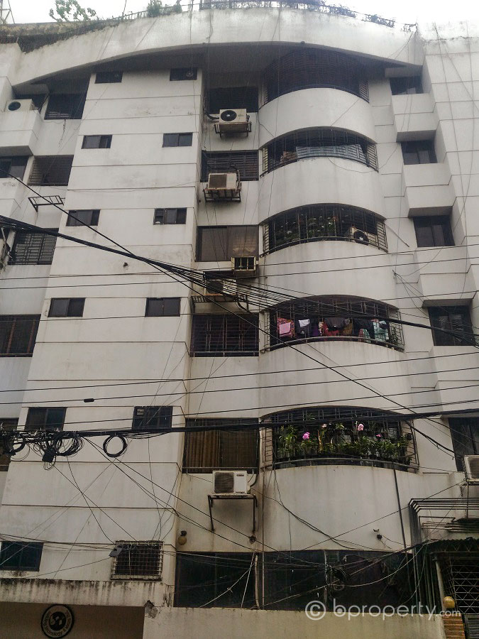 family sized gulshan 1 apartment