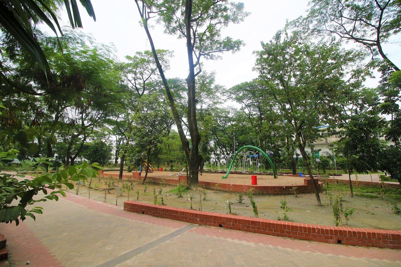 Uttara lake park