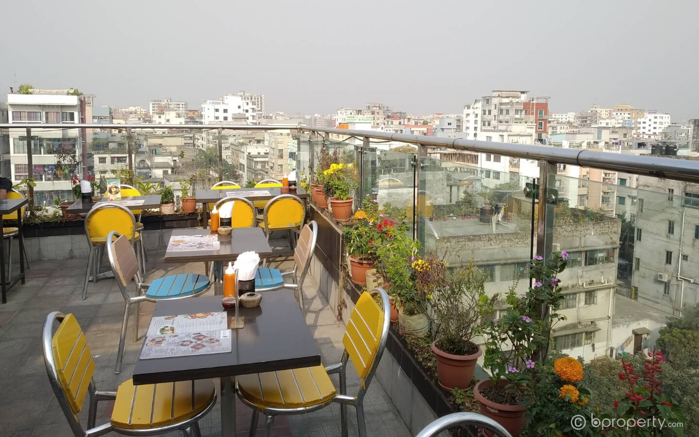 When it comes to places to eat in Khilgaon, other places rarely match Alfresco's quality