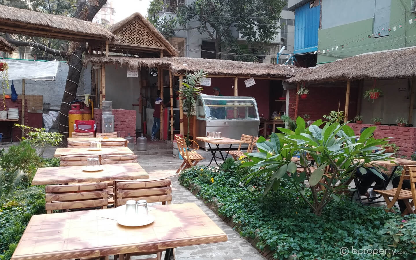 Khanadda is one of the best restaurants in Khilgaon for Grill and chaap
