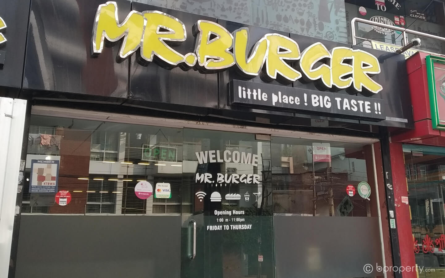 Mr. Burger is one of the best Khilgaon restaurants for spicy burgers