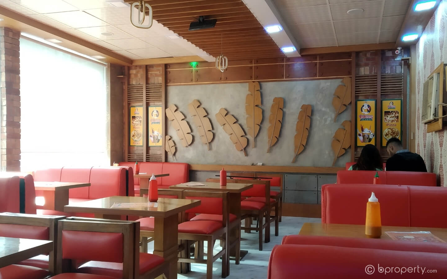 Popeyes is one of the best restaurants in Khilgaon for their coffees