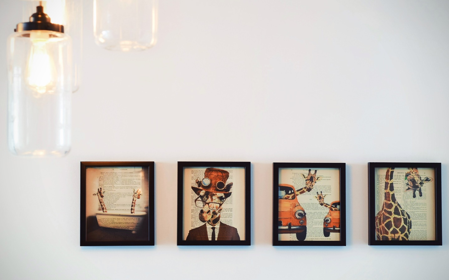 Paintings are sophisticated items for workspace decoration