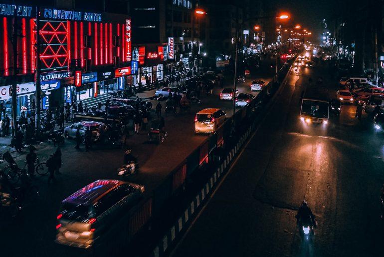 দৈনন্দিন যাতায়াতে ঢাকা শহরের গণ পরিবহন । বিপ্রপার্টি