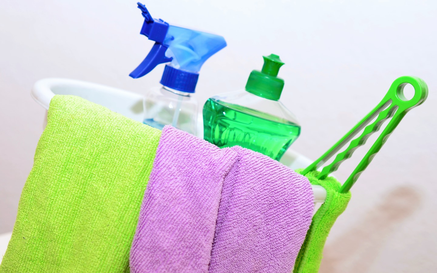 Cleaning equipments to get rid your house of bad smells