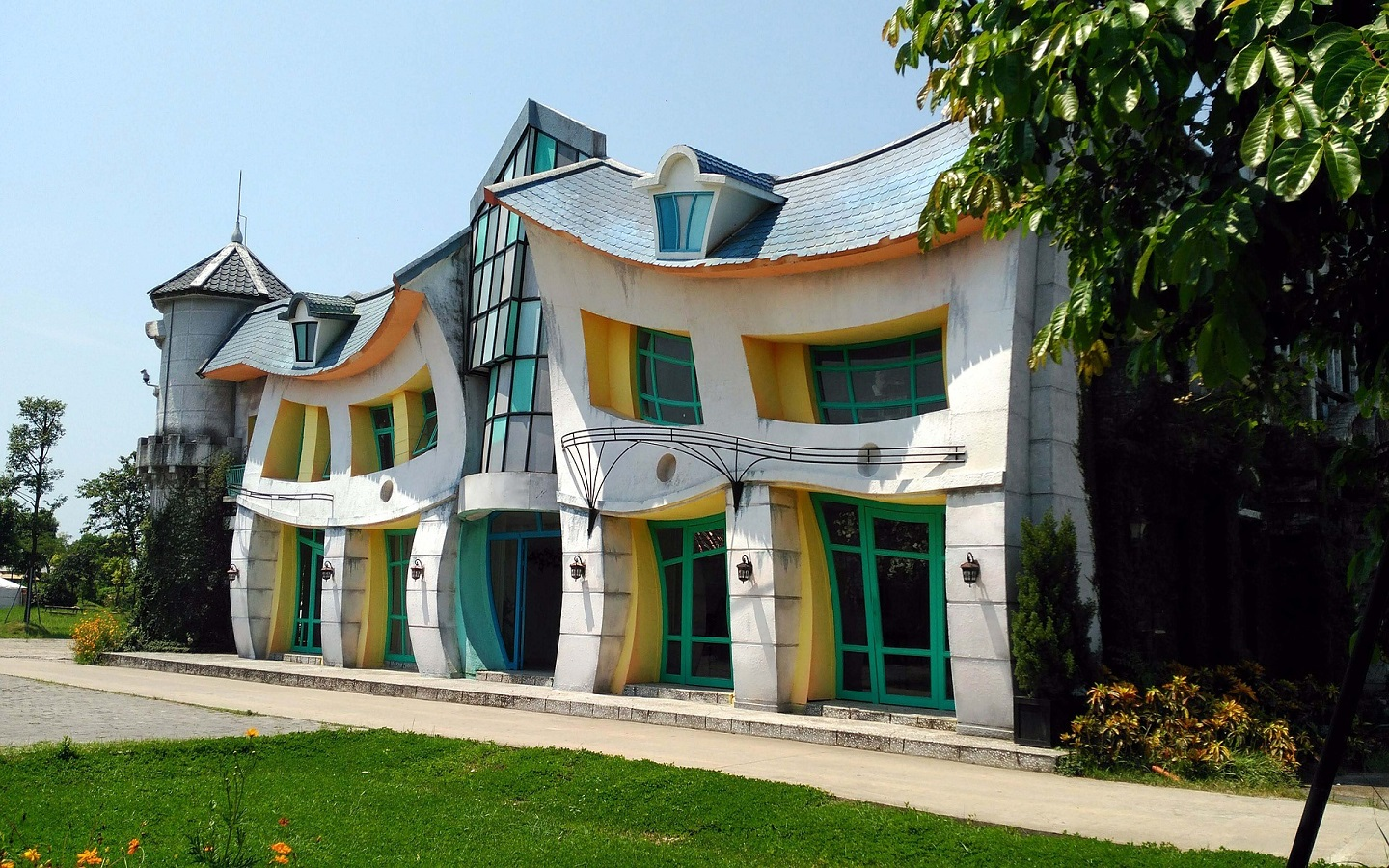oddly shaped homes