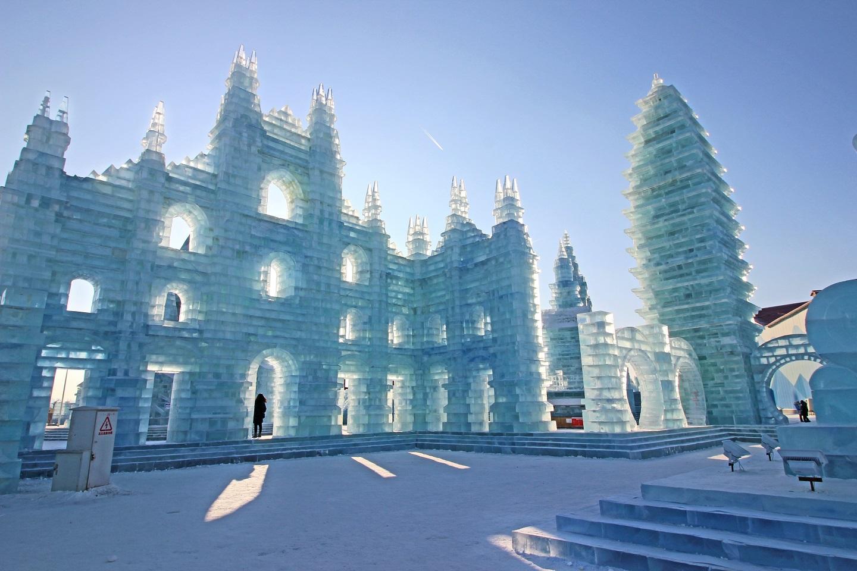 HARBIN INTERNATIONAL ICE & SNOW SCULPTURE FESTIVAL (HARBIN, CHINA)