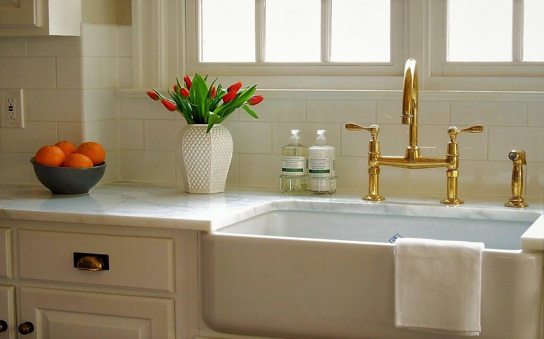 metal faucet in kitchen