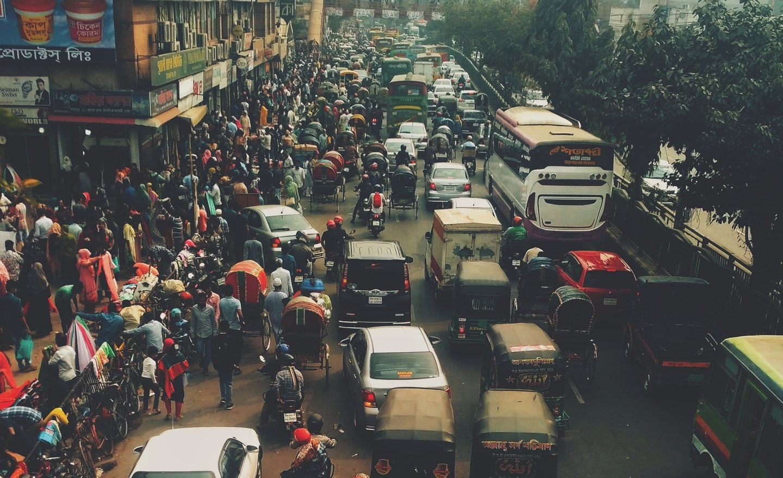 overcrowded dhaka road