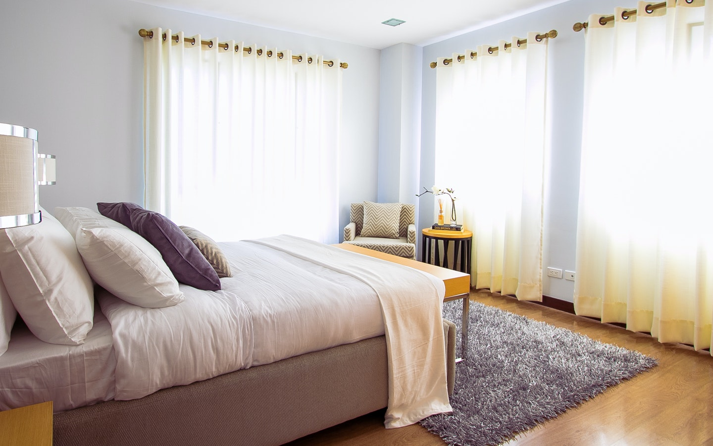 bedroom with white curtain