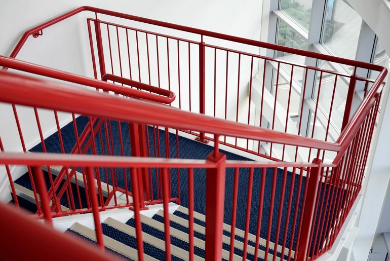 Top 5 Types Of Railing For The Staircase - Bproperty