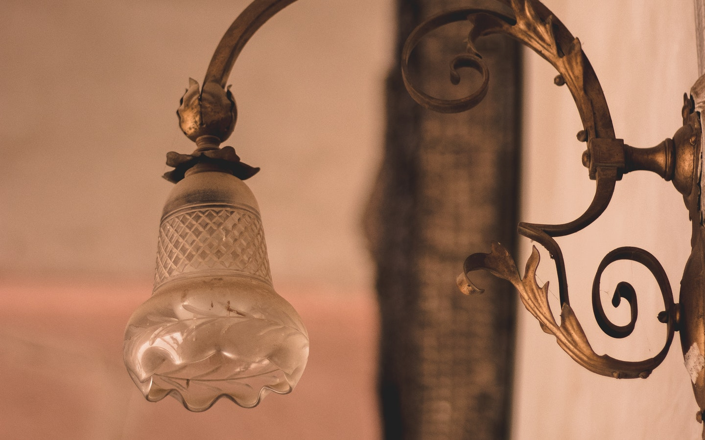 Upgrade your home by getting your desired light fixtures.