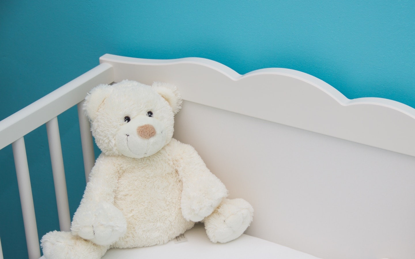 Aqua is one of the popular room color for kids.