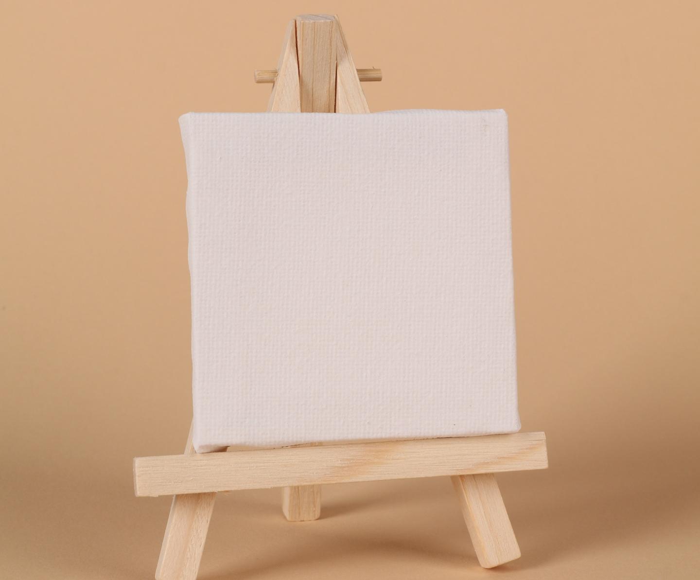 Tokenistic Mini wooden easel