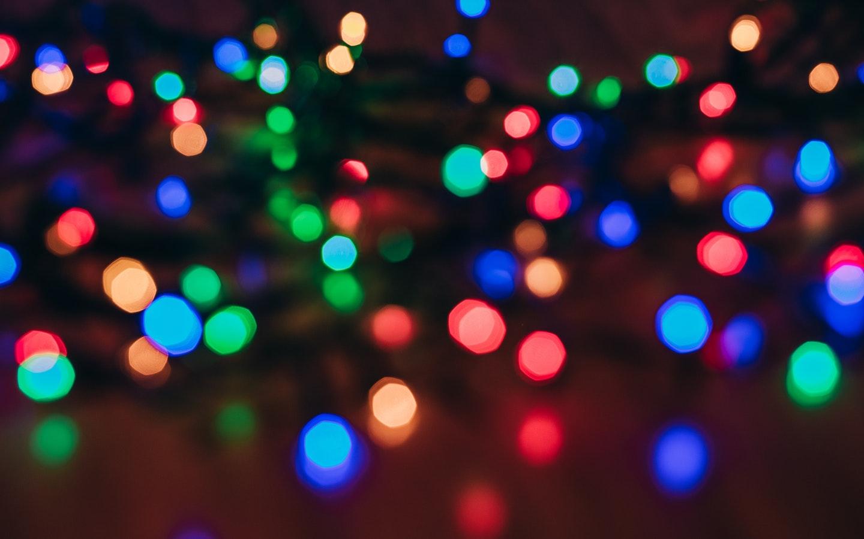 Blurry photo of string light